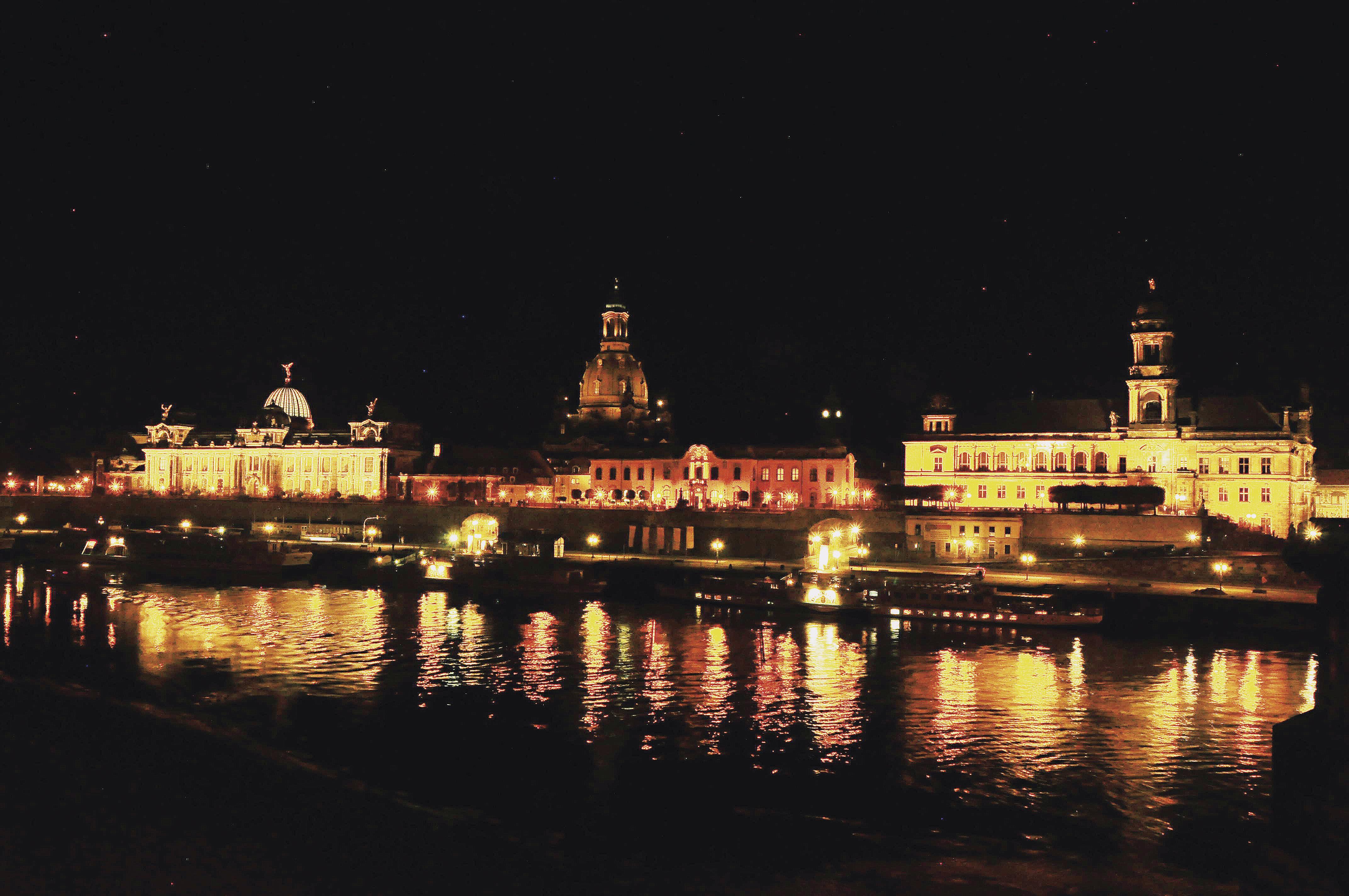 Vista da ponte Augustusbrüke, Dresden, Alemanha