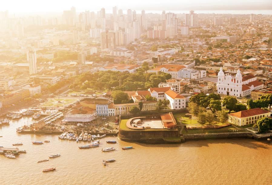 Belém, a capital paraense, é maravilhosaem todos os detalhes: hámangueiras enormes espalhadas pela cidade, bares gostosos, gastronomia exótica e pessoas muito acolhedoras