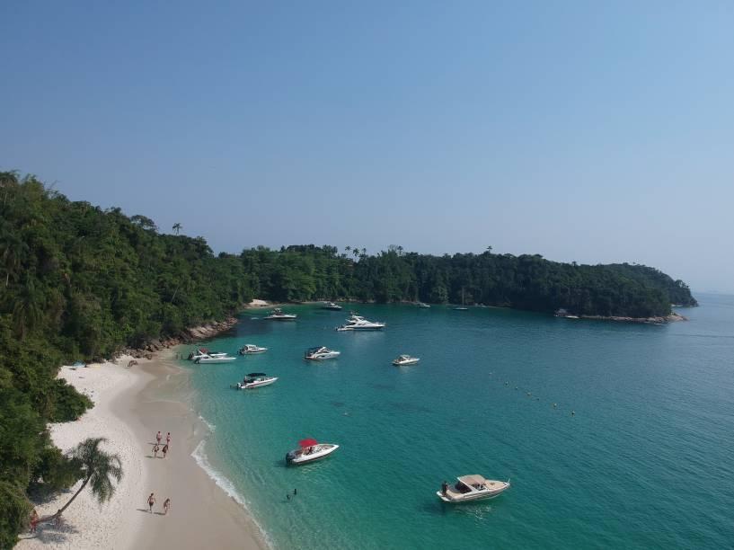 A Praia do Dentista, na Ilha da Gipoia, é uma das mais bonitas de Angra