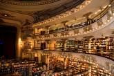 Ambiente interno da Livraria El Ateneo, em Buenos Aires, Argentina