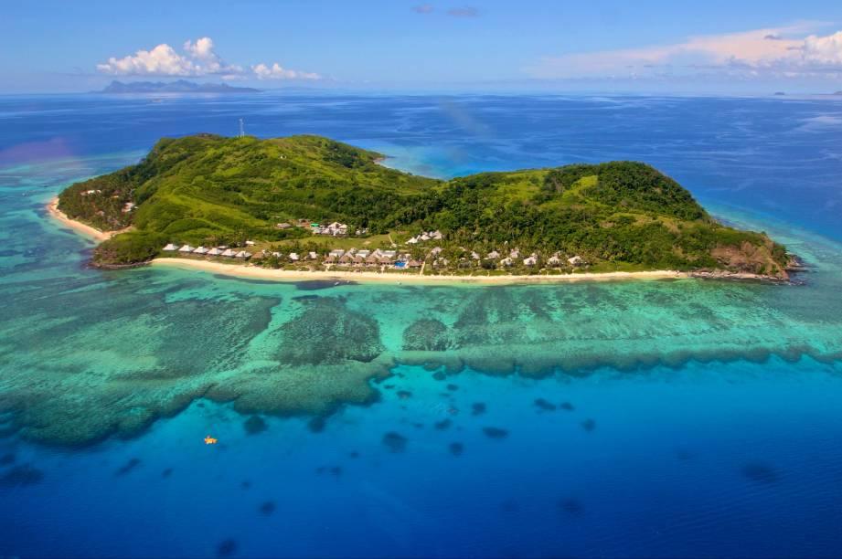 """Apesar de ter 300 ilhas, o arquipélago de <a href=""""http://viagemeturismo.abril.com.br/paises/fiji/"""">Fiji</a>, no meio do Oceano Índico, é pequeno. Suas ilhas minúsculas são resultado da intensa atividade vulcânica da região. Entre as belezas paradisíacas, está a ilha de Tokoriki (foto), onde localiza-se um resort cujo público-alvo são casais em lua-de-mel. Ali, crianças não são aceitas"""