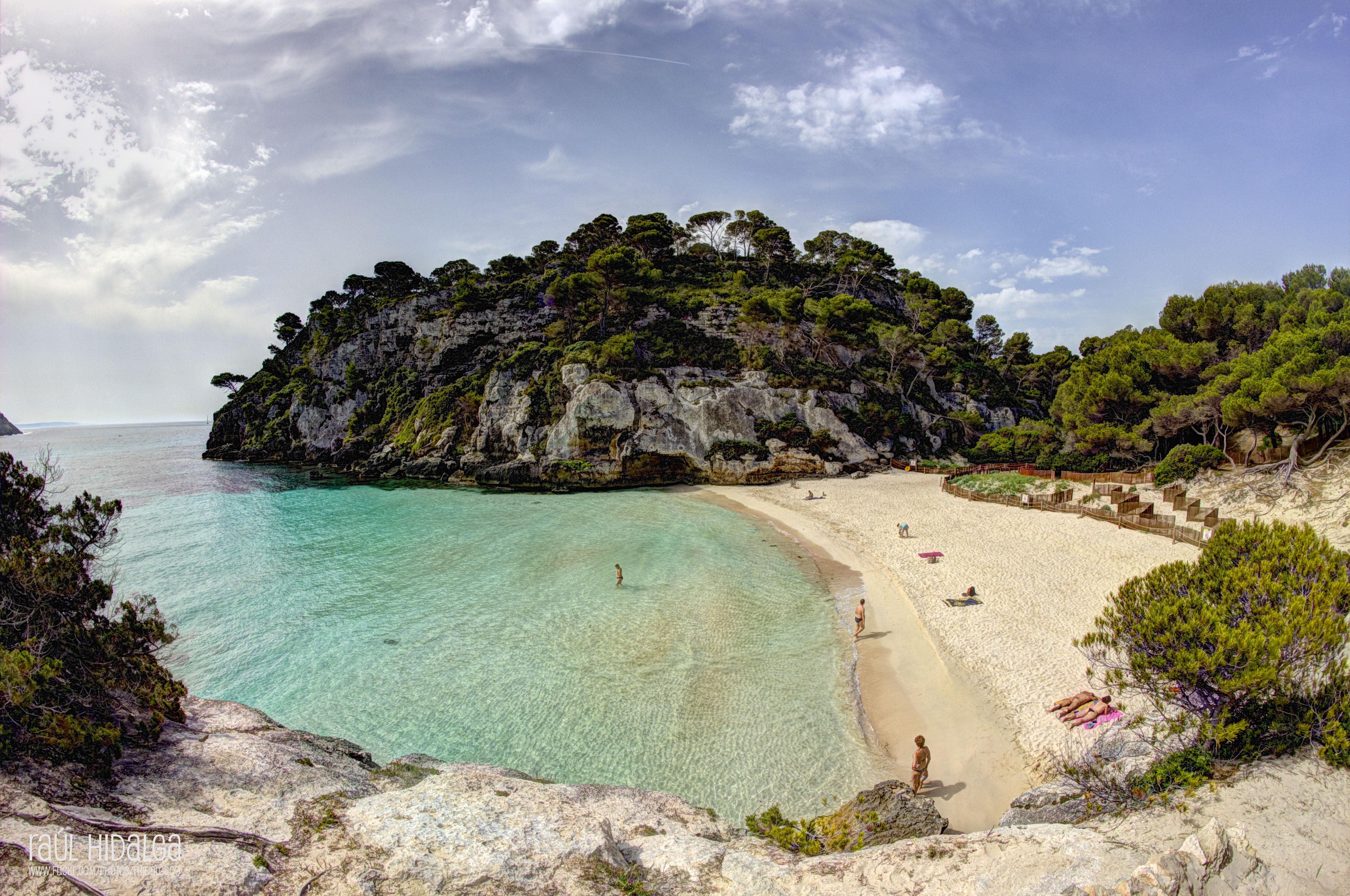 Praia de Macarelleta em Menorca, nas Ilhas Baleares, Espanha