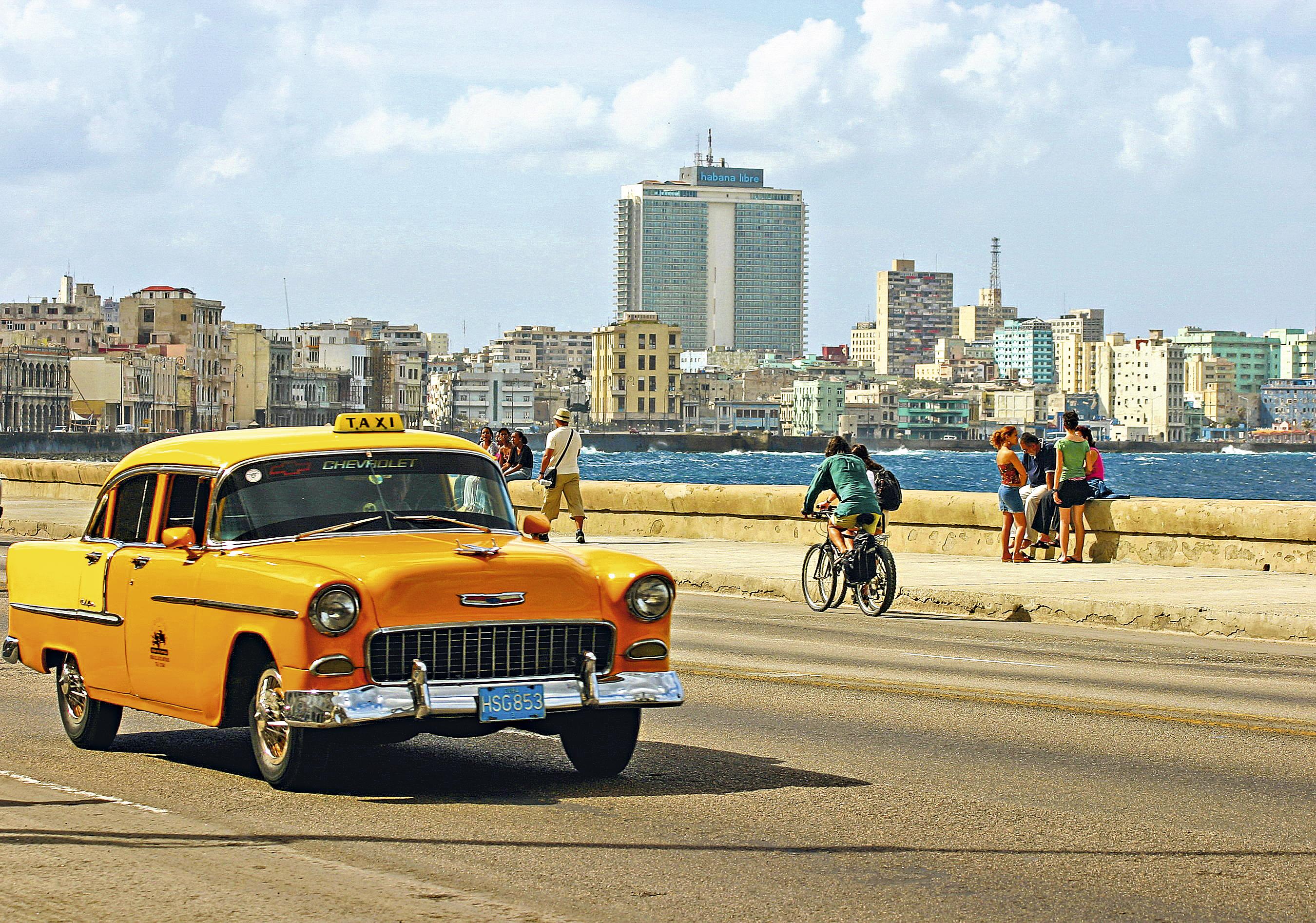 El malecón habanero, Cuba