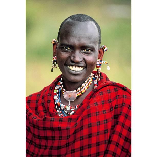 """<a href=""""http://viajeaqui.abril.com.br/paises/quenia"""" rel=""""Quênia"""" target=""""_blank""""><strong>Quênia</strong></a>    O país fica na África oriental e tem o parque Nacional Masai e passeios de balão sobre a grande migração dos animais que acontece na época da seca. É espetacular. Mas não deixe de entrar nas aldeias e conversar com os masais, grupo étnico de quase 500 mil pessoas que habita a área do parque"""