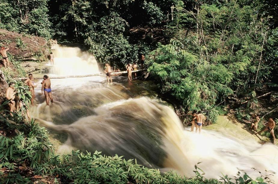 Cachoeira Santa Claudia, em Presidente Figueiredo (AM)