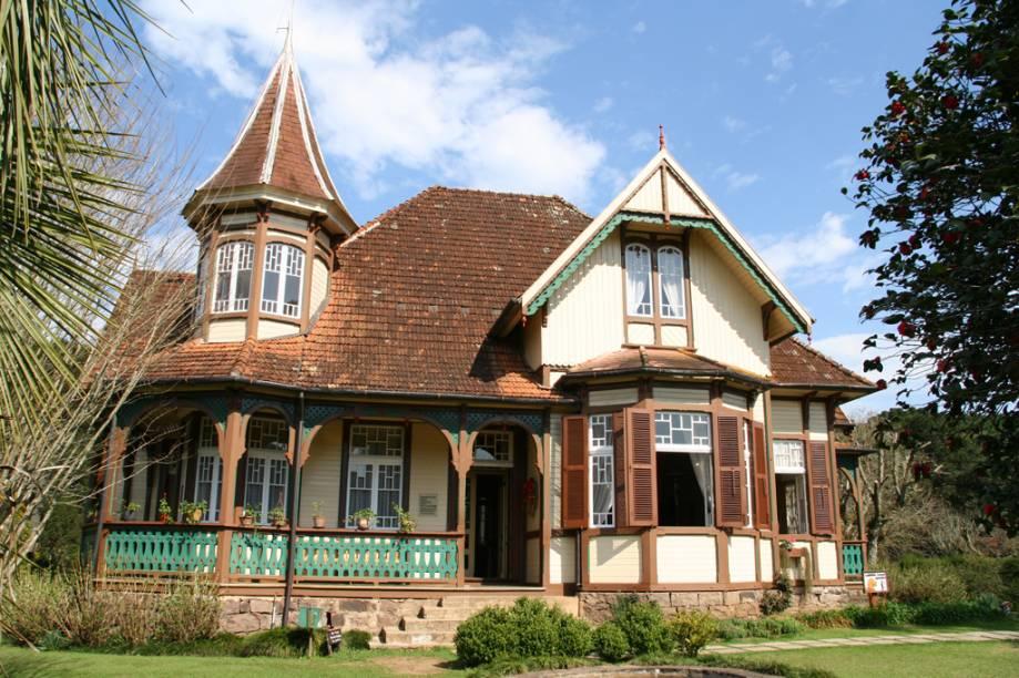 """<span style=""""font-weight: 400"""">Construído no início do século 20, o Castelinho Caracol é</span><span style=""""font-weight: 400"""">a antiga residência da família Franzen, hoje transformada em museu</span>"""