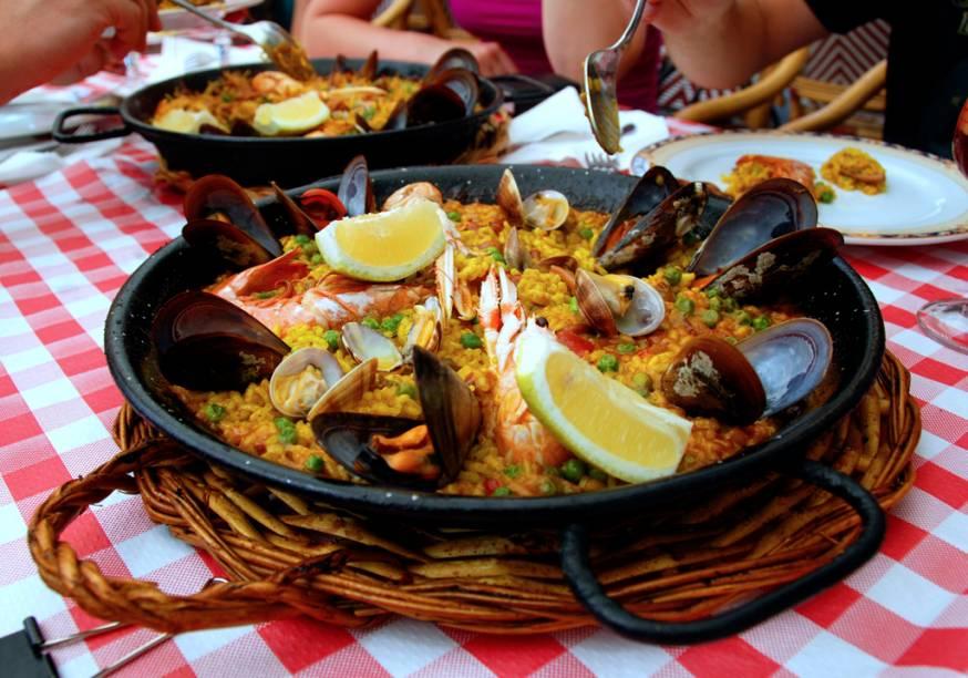 Paella, prato típico da Espanha