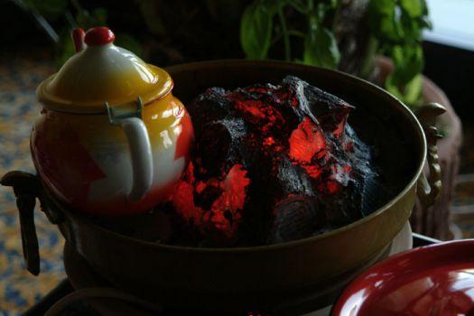 Apesar da grande afluência de petrodólares, o Qatar ainda mantém tradições como o chá junto ao fogo