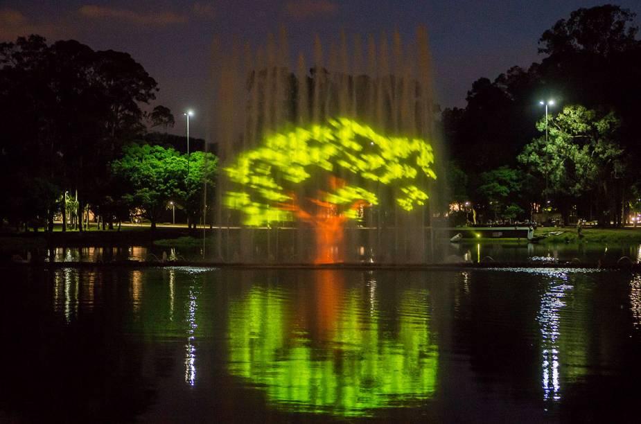 Cenas produzidas especialmente para comemorar os 60 anos do Ibirapuera serão projetadas na fonte do parque