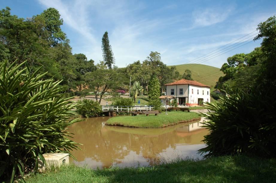 Lago do Hotel Fazenda Independência, recomendado pelo GUIA QUATRO RODAS, antiga fazenda cafeeira na Serra da Bocaina, Bananal, São Paulo