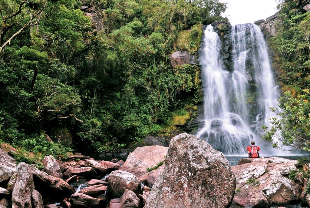 Cachoeira dos Garcias no Parque Estadual do Papagaio, em Aiuruoca, Minas Gerais