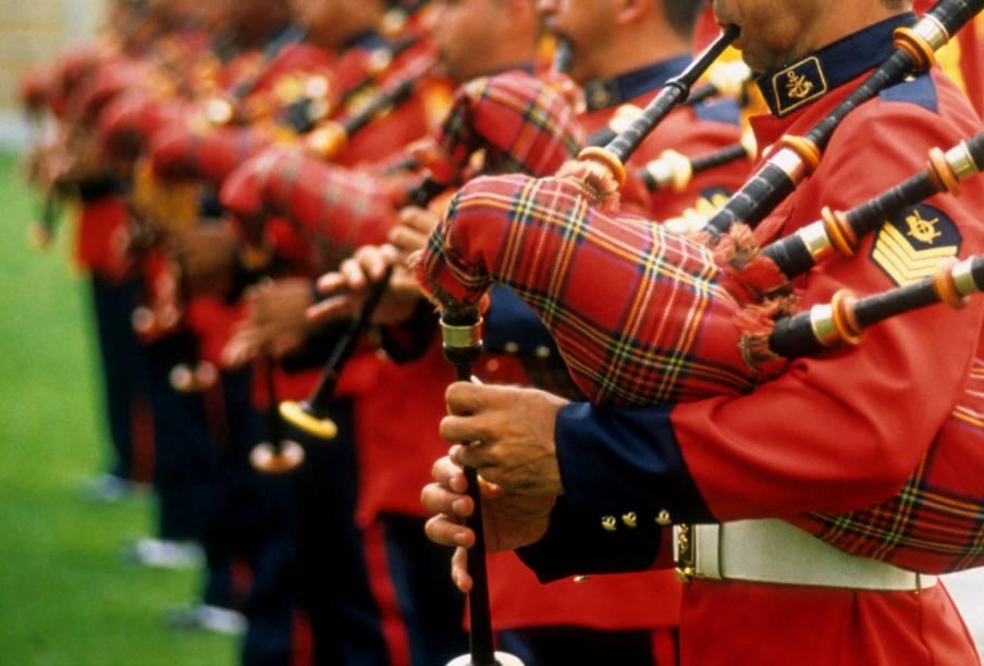 Banda militar escocesa com suas gaitas de fole
