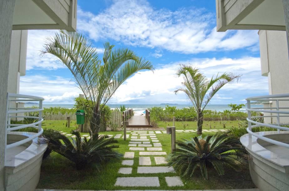 Jardim do Marin Château Hotel e acesso à Praia do Canto Grande