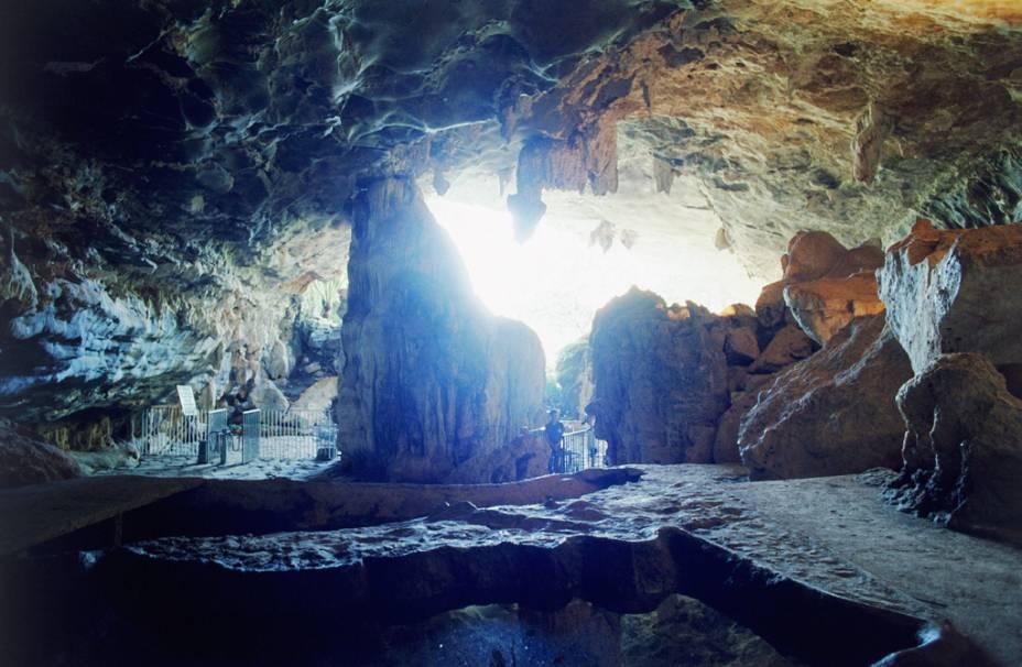 A Gruta de Maquiné, uma das mais belas do Brasil aberta à visitação, é o cartão-postal de Cordisburgo