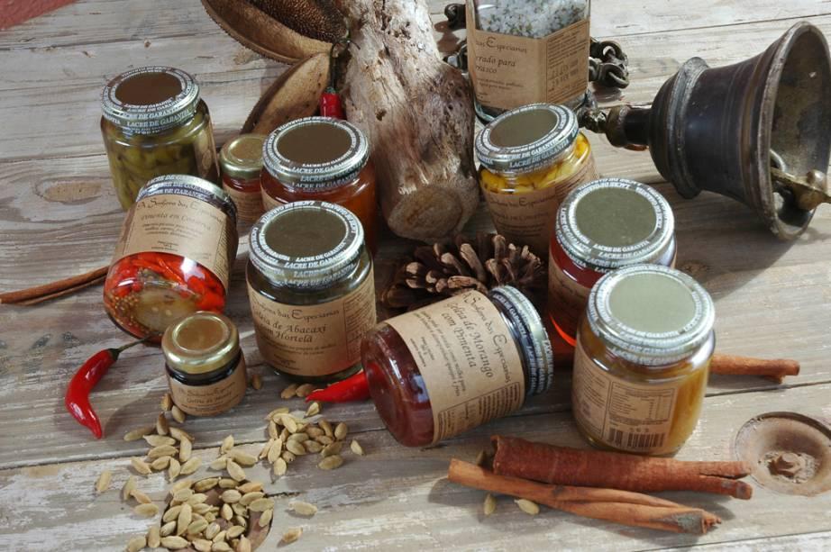 As geleias, chutneys e antepastos da Senhora das Especiarias são feitos com os bons ingredientes locais