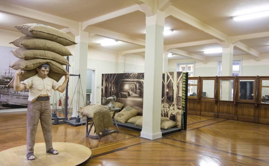 Com paineis, estátuas e reproduções fiéis ao período cafeeiro de São Paulo, as exposições do Museu do Café buscam retratar com detalhes um dos períodos mais gloriosos da economia paulista
