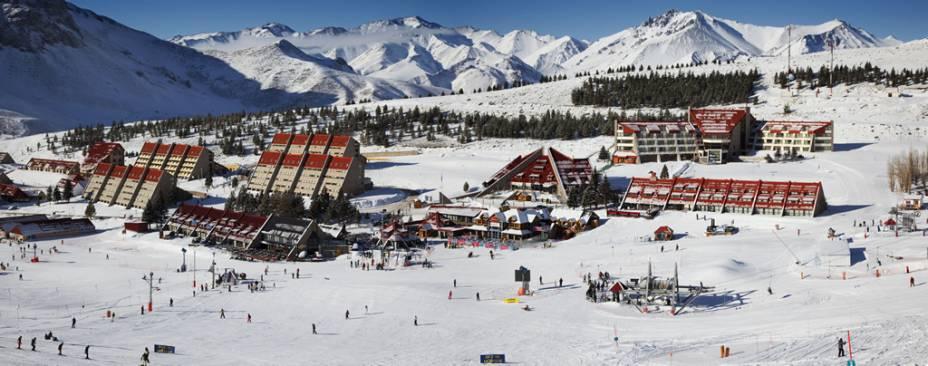 A sofisticada estação de esqui de Las Leñas reúne 29 pistas além de oito hotéis, 21 restaurantes e um shopping