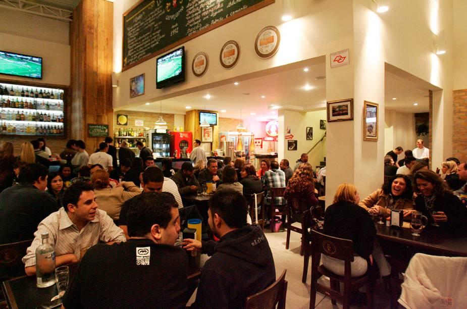"""<a href=""""http://viajeaqui.abril.com.br/estabelecimentos/br-sp-sao-paulo-restaurante-bar-do-luiz-fernandes"""" rel=""""Bar do Luiz Fernandes, São Paulo: """" target=""""_blank""""><strong>Bar do Luiz Fernandes, São Paulo: </strong></a>            O espaço é uma garagem adaptada. O bolinho de carne bem temperado é uma pedida clássica."""