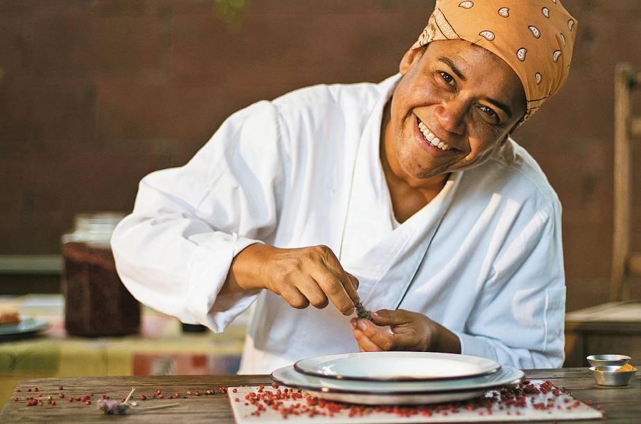 """<strong>7. Tanea Romão - <a href=""""http://viajeaqui.abril.com.br/estabelecimentos/br-mg-tiradentes-restaurante-kitanda-brasil"""" rel=""""Kitanda Brasil"""" target=""""_blank"""">Kitanda Brasil</a> (Tiradentes, MG)</strong>        A mineira Tanea Romão é chef e proprietária do restaurante Kitanda Brasil, em Tiradentes"""