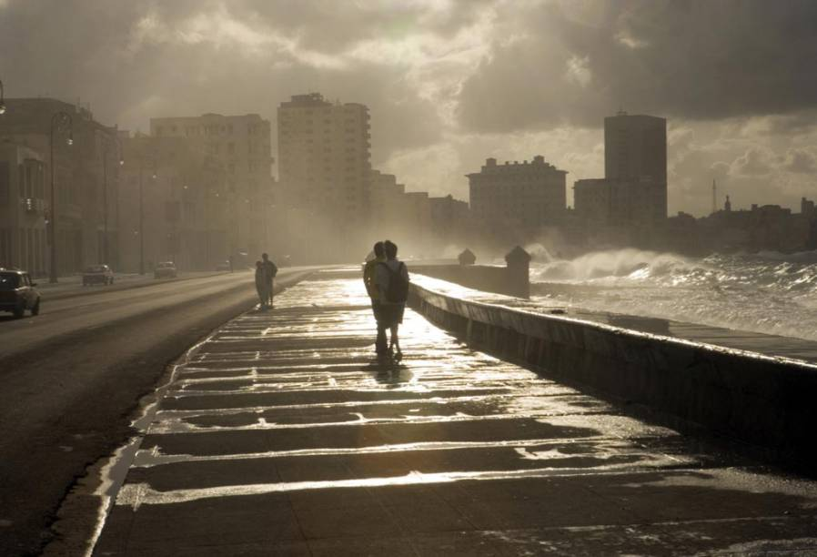 A Avenida Malecón, em Havana, Cuba