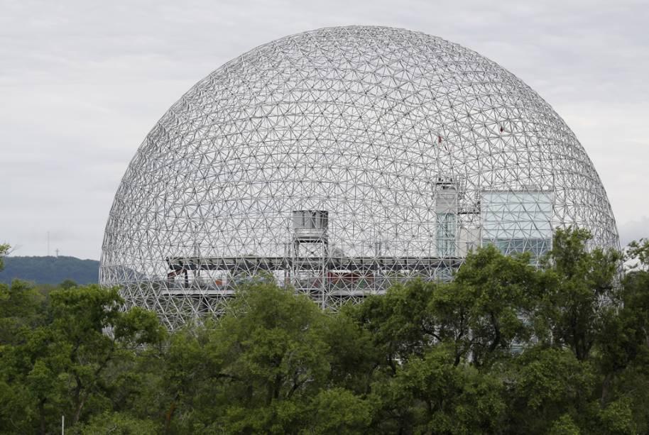 Instalado em um prédio futurístico em formato de domo, o Biosphère é o único museu da América do Norte dedicado exclusivamente ao meio ambiente