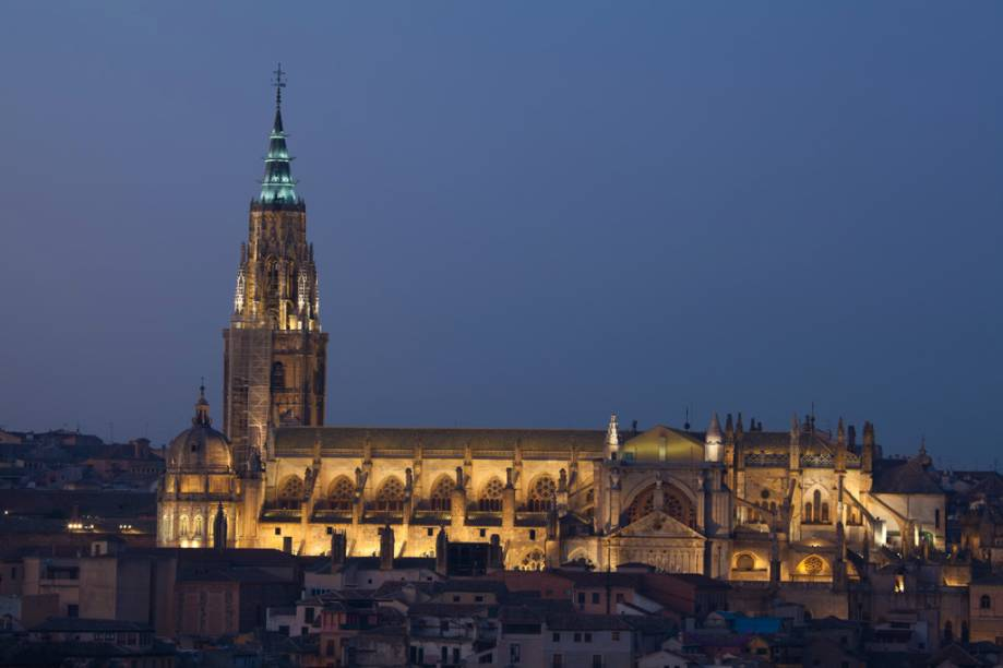 A Catedral de Toledo, do século 13, abriga obras de artistas consagrados, como Velázquez, Goya, Caravaggio e El Greco