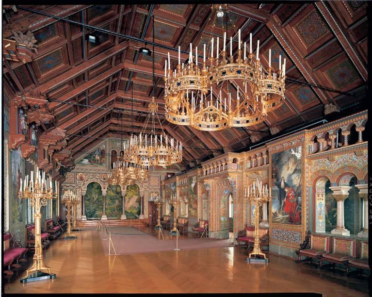 Salão dos cantores do Castelo Neuschwanstein, construído pelo rei Ludovico II, na região da Bavária, que inspirou Walt Disney na criação do Castelo de Cinderela