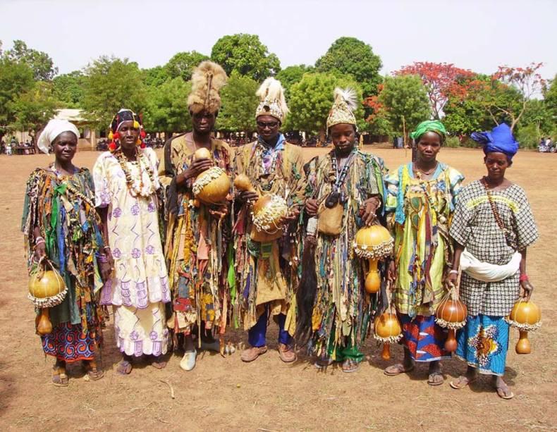 A sociedade secreta dos <strong>Kôrêdugaw </strong>é um rito de sabedoria dos povos bambara, malinké, senufo e samogo que vivem em <strong>Mali</strong>. A sociedade educa, forma e prepara as crianças para resolver futuros problemas na comunidade