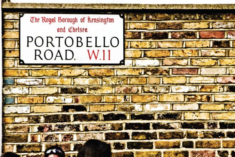 """Um dos hits do bairro é o <strong>Portobello Market</strong> <em>(<a href=""""http://portobellomarket.org"""" rel=""""portobellomarket.org"""" target=""""_blank"""">portobellomarket.org</a>; 2ª/5ª 8h/13h, Sab 8h/18h30)</em>, onde é possível encontrar de comida a roupas de segunda mão e antiguidades. Sábado é o dia mais concorrido."""