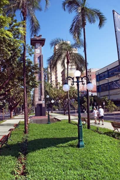 Agradável cidade planejada, com avenidas largas e arborizadas, Goiânia é voltada para o turismo de negócios