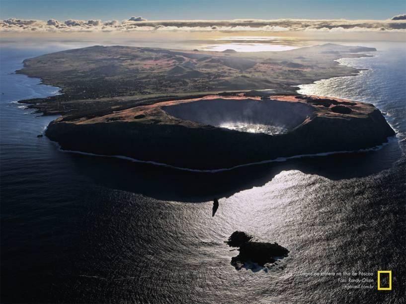 Lagos de cratera na Ilha de Páscoa. O lugar é considerado como um dos mais misteriosos e atraentes do mundo inteiro