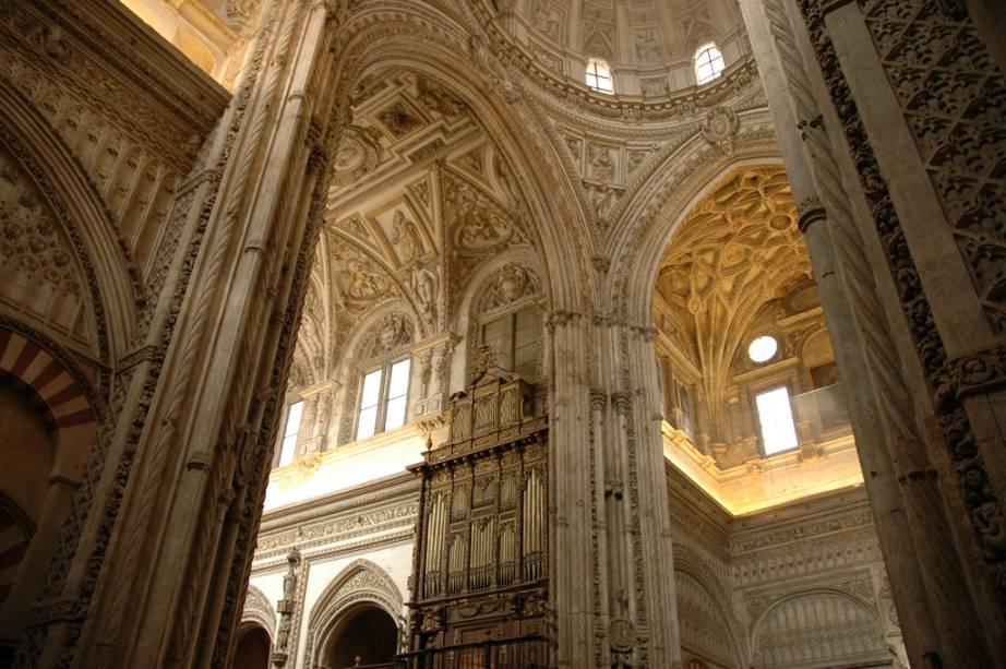 Em seus 1200 anos de história a Grande Mesquita de Córdoba resume o poderio cultural, político e religioso do Islã na península Ibérica
