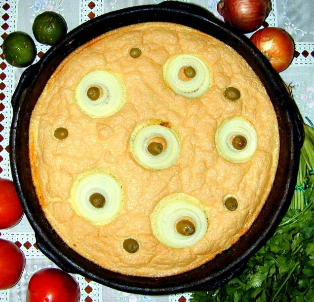 A Torta Capixaba é tradicionalmente servida na Semana Santa, mas é possível prová-la durante todo ano nos restaurantes de comida regional