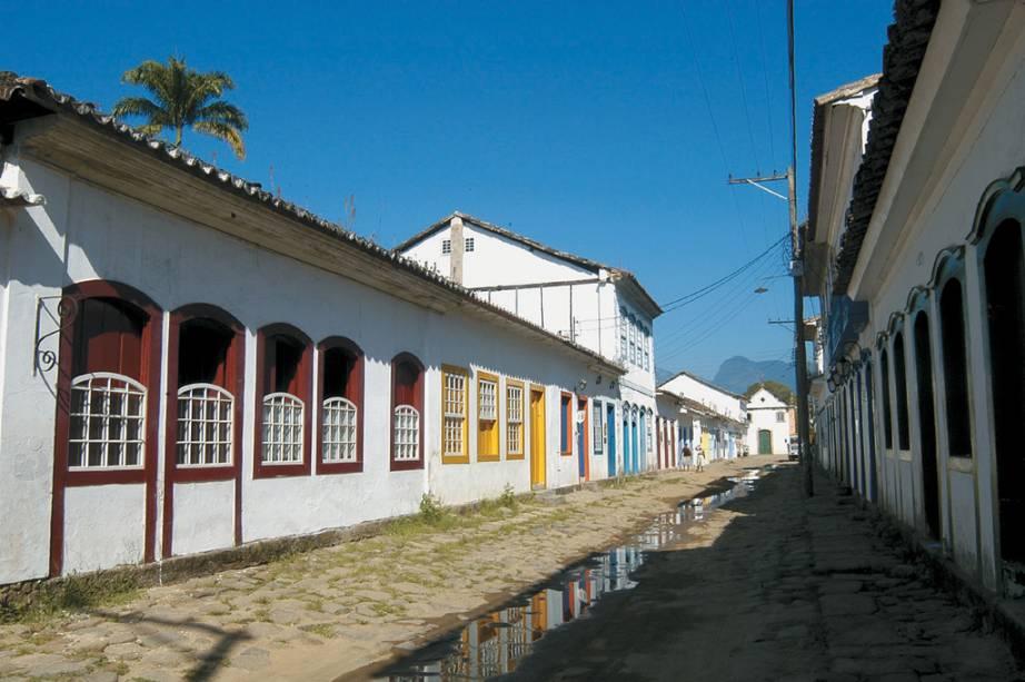 O casario colonial de Paraty compõe um dos conjuntos arquitetônicos mais bem-conservados do país