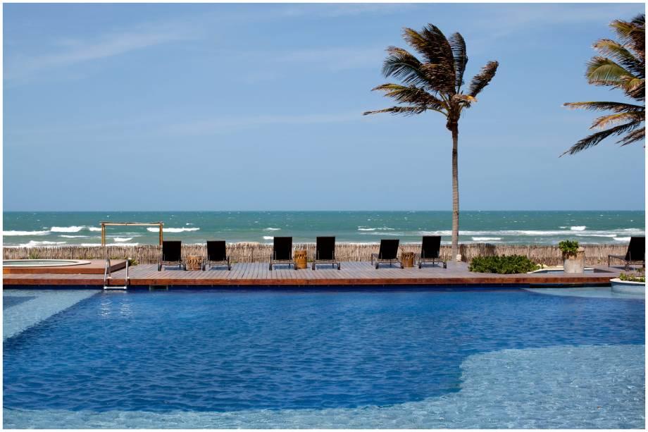 """<strong>Hotel do Ano: Zorah Beach Hotel - <a href=""""http://viajeaqui.abril.com.br/cidades/br-ce-trairi"""" rel=""""Trairi (CE)"""" target=""""_blank"""">Trairi (CE)</a></strong>    Tanto a gastronomia, quanto a arquitetura, são inspiradas na Ásia e no Oriente Médio. O serviço atencioso e o bar da piscina, que funciona até a noite, merecem destaque."""