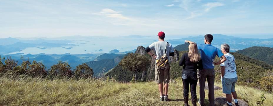 Os dois quilômetros de caminhada íngreme são recompensados por uma vista linda no topo da Pedra da Marcela em Cunha, São Paulo