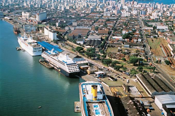 Transatlânticos ancorados no Porto de Santos