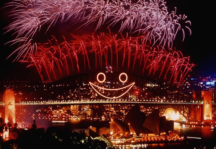 A imagem de fogos de artifícios colorindo o entorno da Harbour Bridge é transmitida todos os anos para televisores do mundo todo