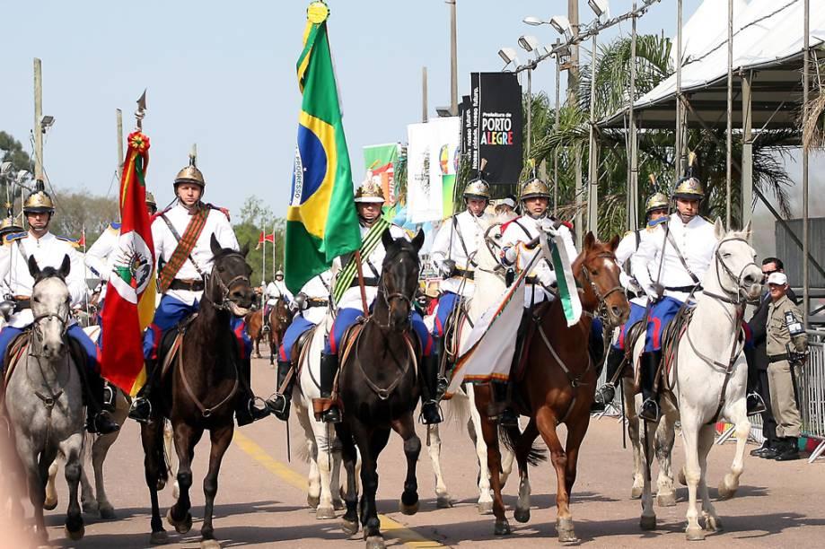 Desfile dos Festejos Farroupilhas nas ruas de Porto Alegre, no Rio Grande do Sul