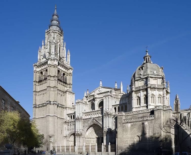 Construída no século 13, a Catedral de Toledo tem elementos góticos e barrocos além de reunir obrar de artistas como Velázquez e Caravaggio