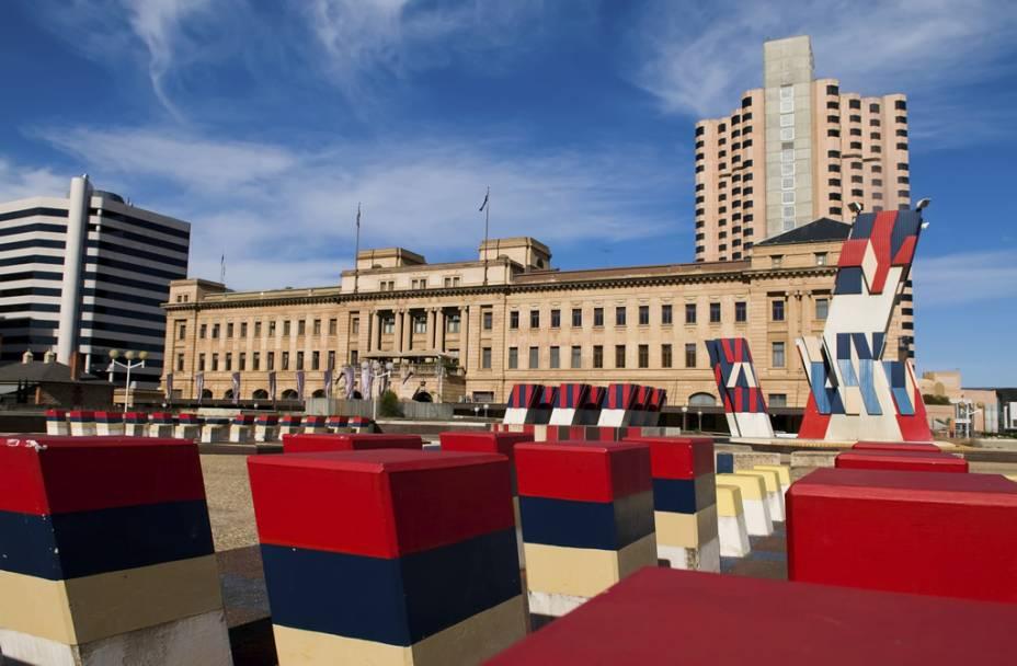 O Adelaide Festival Centre, centro para apresentações e shows. Adelaide é conhecida pelos festivais de música e arte