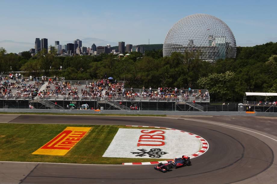 """Com o nome de um lendário piloto da Fórmula 1 – de 1977 a 1982 –, que morreu em um trágico acidente na categoria e é pai do campeão de 1997, Jacques Villeneuve, o Circuit Gilles-Villeneuve, em <a href=""""http://viajeaqui.abril.com.br/cidades/canada-montreal"""" rel=""""Montreal"""" target=""""_blank"""">Montreal</a>, no <a href=""""http://viajeaqui.abril.com.br/paises/canada"""" rel=""""Canadá"""" target=""""_blank"""">Canadá</a>, está no """"circo"""" desde 1978 – só não foi disputado em 2009"""