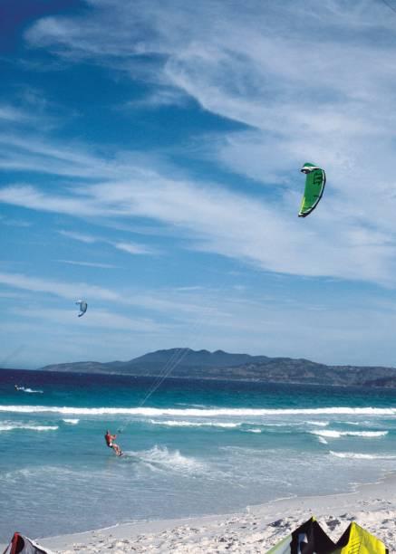 A Praia do Foguete tem ventos fortes para o kitesurfe e ondas perfeitas para os surfistas