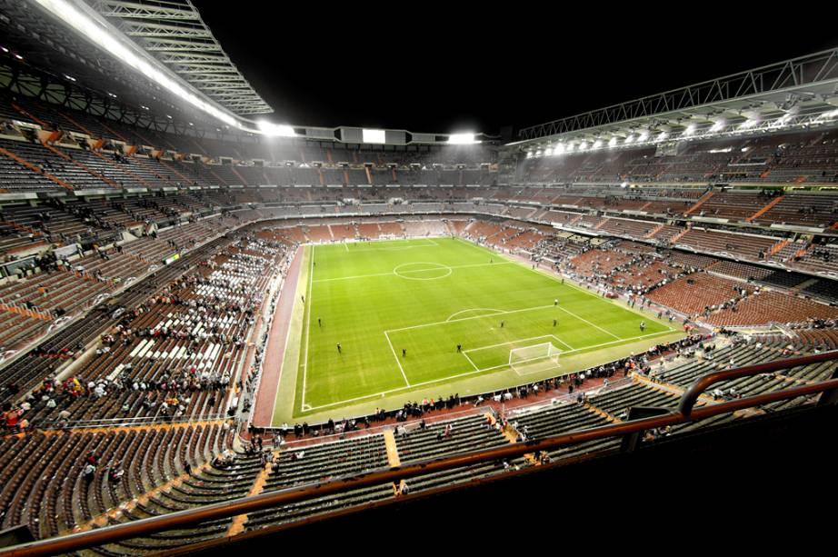 A visita ao Estádio Santiago Bernabéu, do Real Madri, inclui vestiários, sala de imprensa, arquibancadas, salas de convidados e bancos de reservas