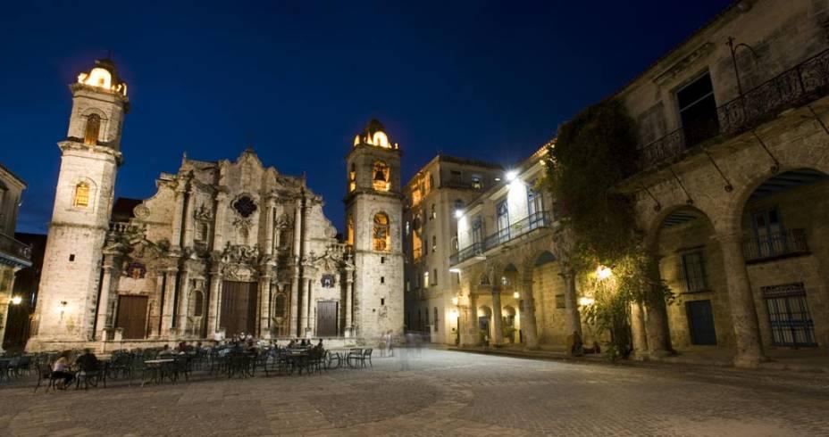 Cercada de edifícios dos séculos 18 e 19, a Catedral de San Cristóbal é o principal templo católico de Havana