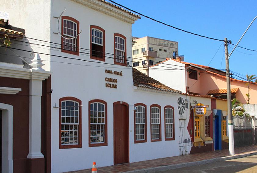 O casarão colonial onde viveu o pintor gaúcho Carlos Scliar por 40 anos abriga o Instituto Cultural Carlos Scliar