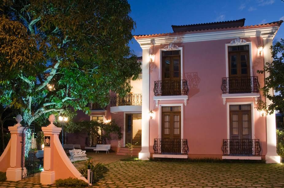 """Localizado na Lagoa da Conceição, em <a href=""""http://viajeaqui.abril.com.br/cidades/br-sc-florianopolis"""" rel=""""Florianópolis"""" target=""""_blank""""><strong>Florianópolis</strong></a>, o hotel boutique Quinta das Videiras fica em uma residência de estilo português do século XIX"""