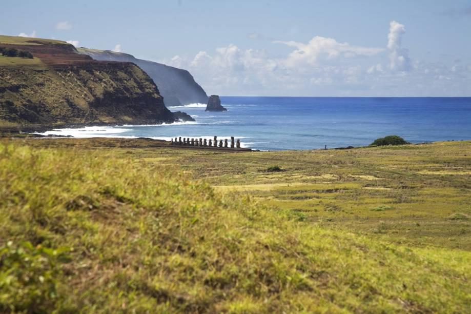 Encravada no Oceano Pacífico, na metade do caminho entre Chile e a Polinésia Francesa, a Ilha de Páscoa foi declarada Patrimônio Mundial pela Unesco