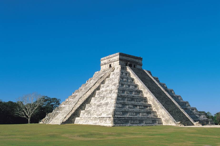 Chichén Itzá, um dos mais importantes centros políticos dos maias, é uma das novas sete maravilhas do mundo e Patrimônio Histórico pela Unesco