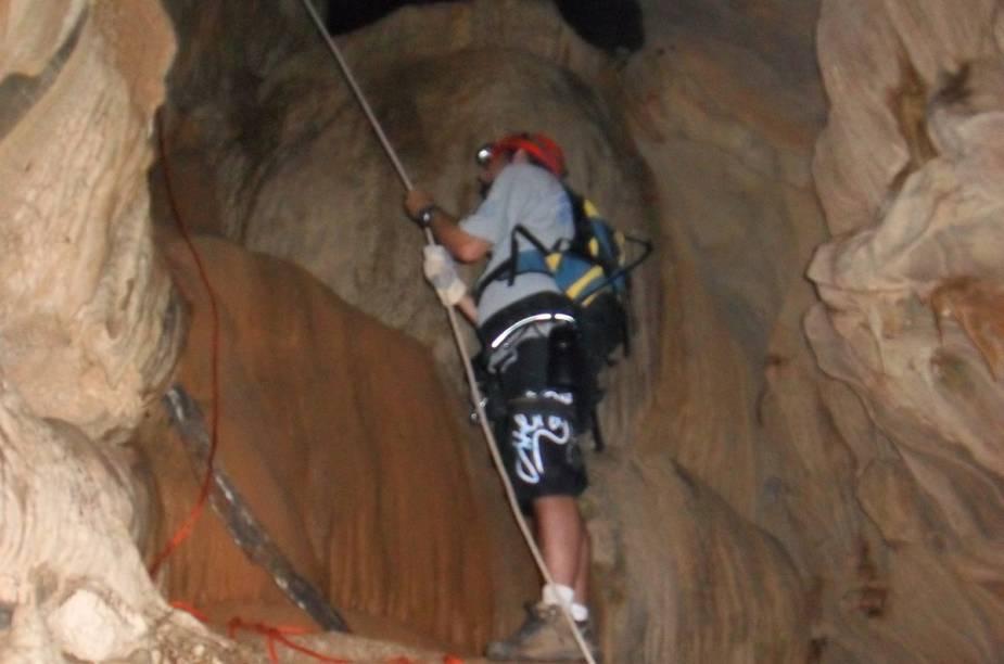 Caverna Escaroba